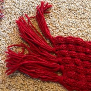 Accessories - ✨3 for $15✨ Red Knit Scarf